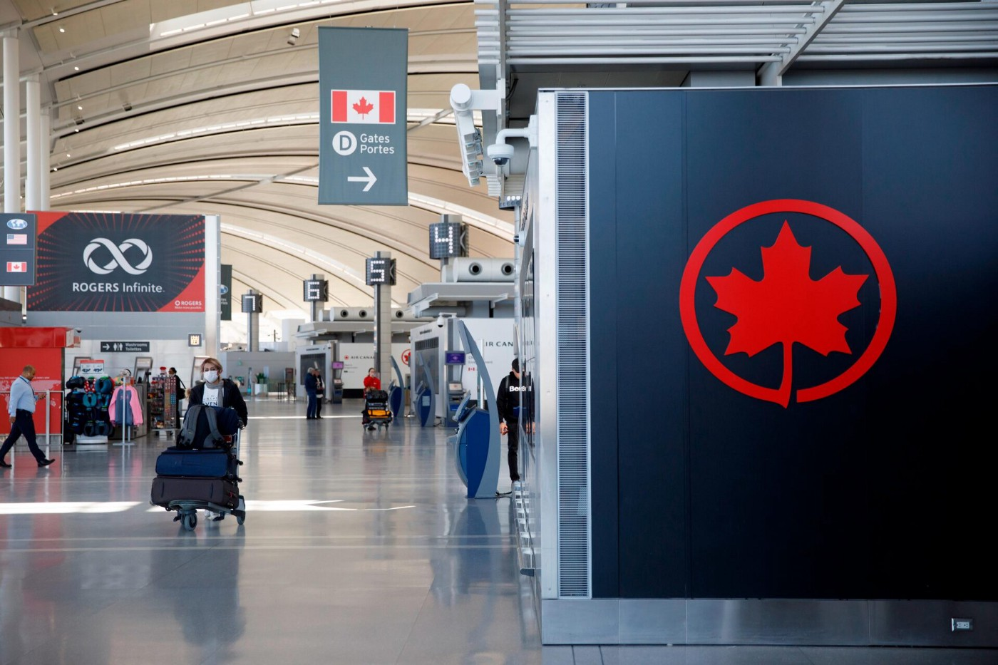 Canada Reopens Air Borders for Non-Essential Travel