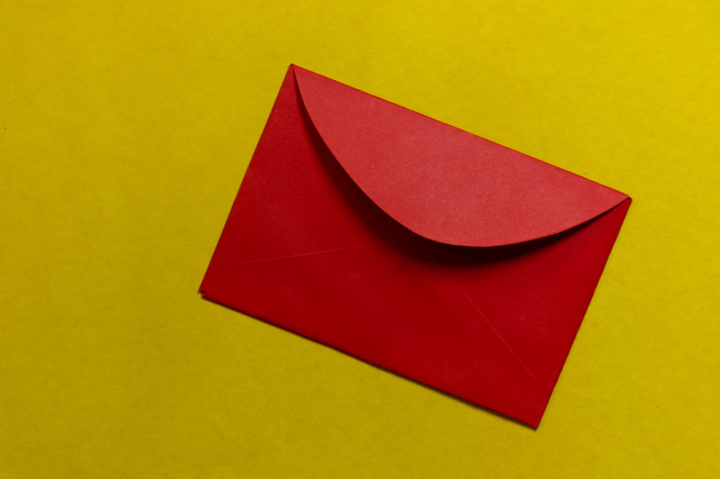 Red Envelope | Photo by Lucas George Wendt