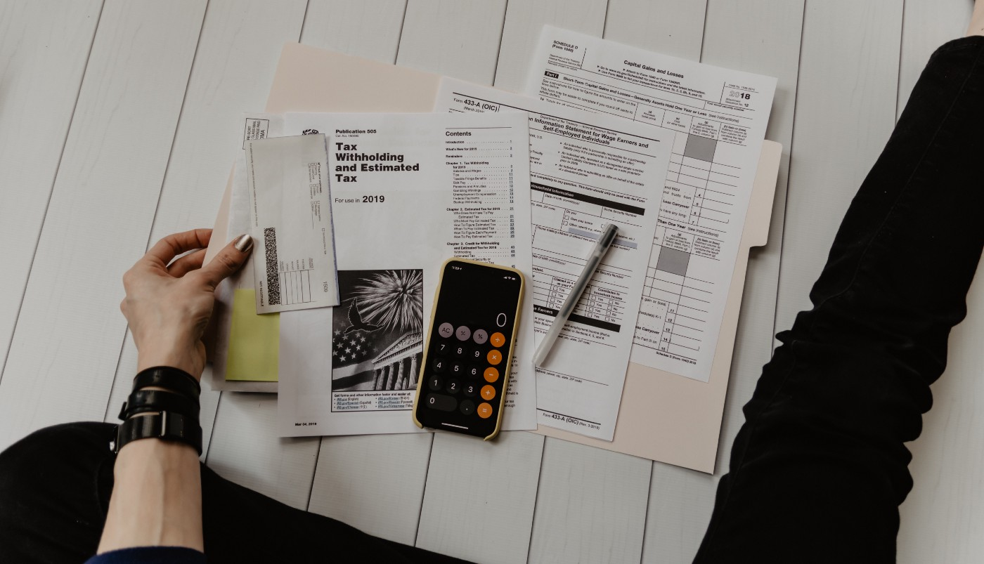 tax and accounting papers for a failed company
