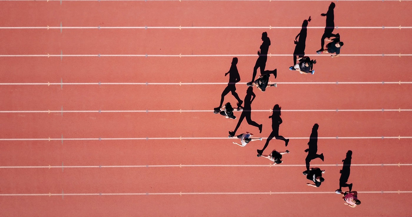 """Runners on a track in a """"V"""" formation"""