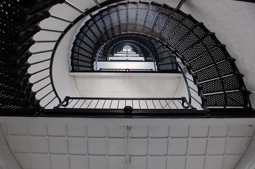 Photo of spiral staircase, showing expanding and narrowing perspectives