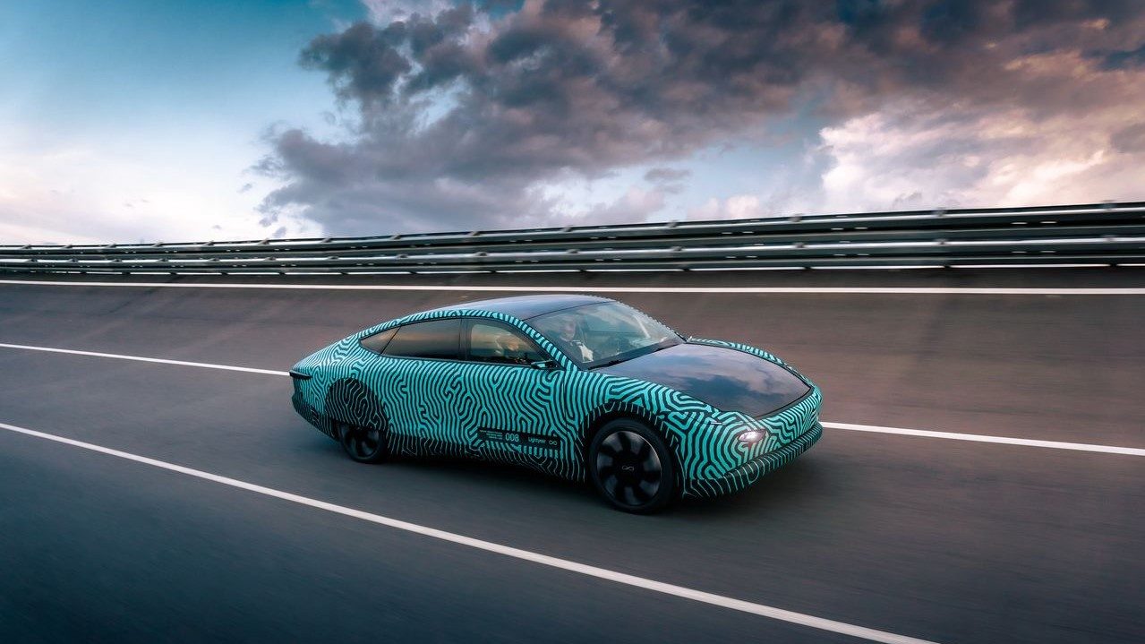 Lightyear's prototype drives over 440 mi with 60-kW·h battery