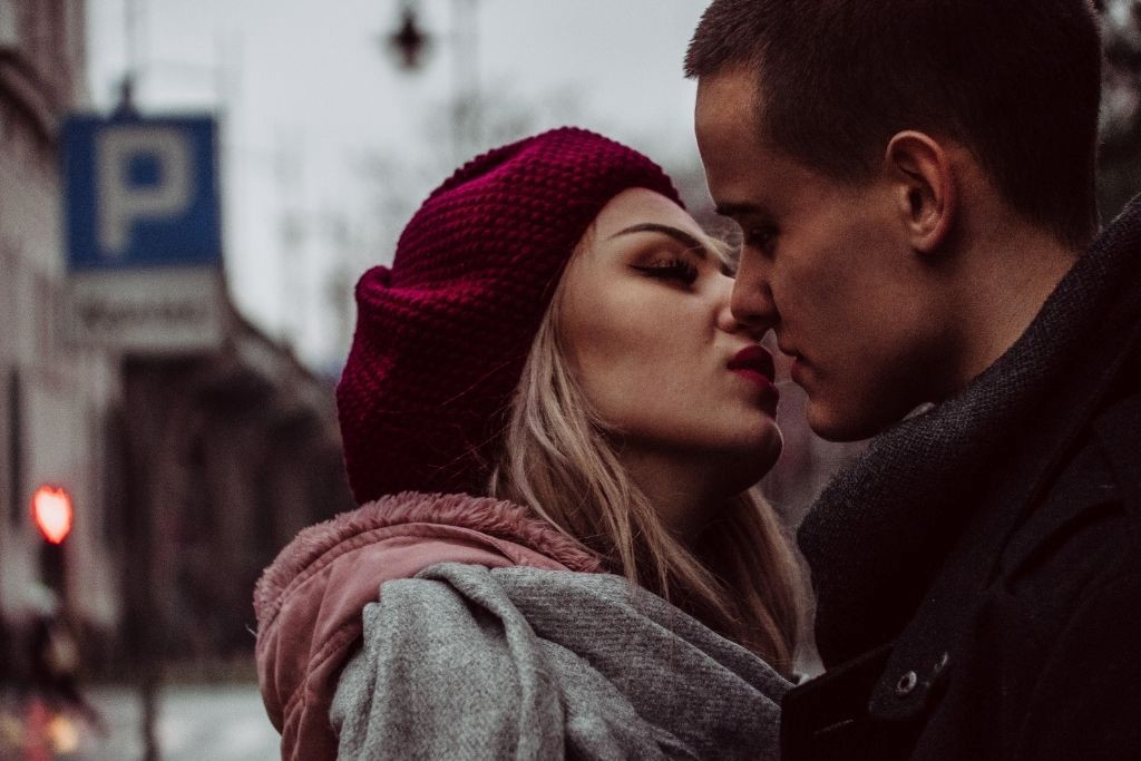 22 Kisses That Can Reveal Your Partner's Feelings
