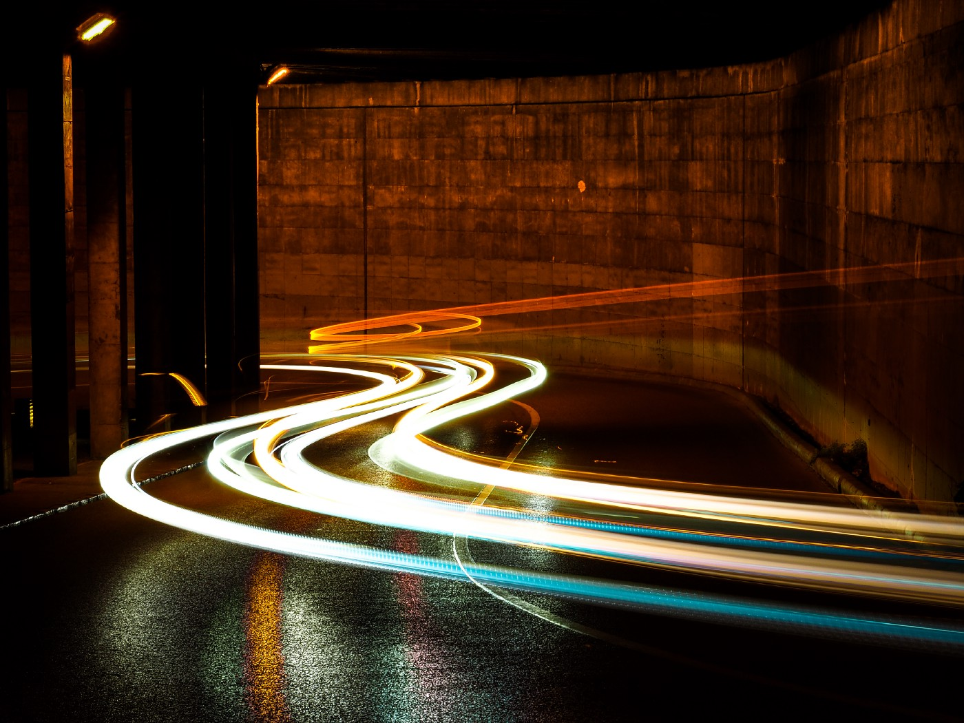 Light moving fast, signifying speed