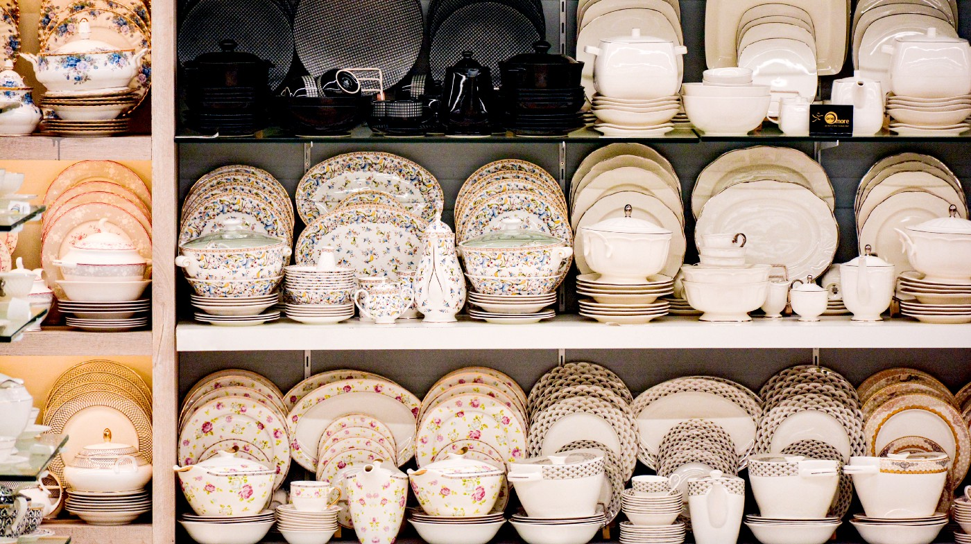 Buying kitchenware in one style