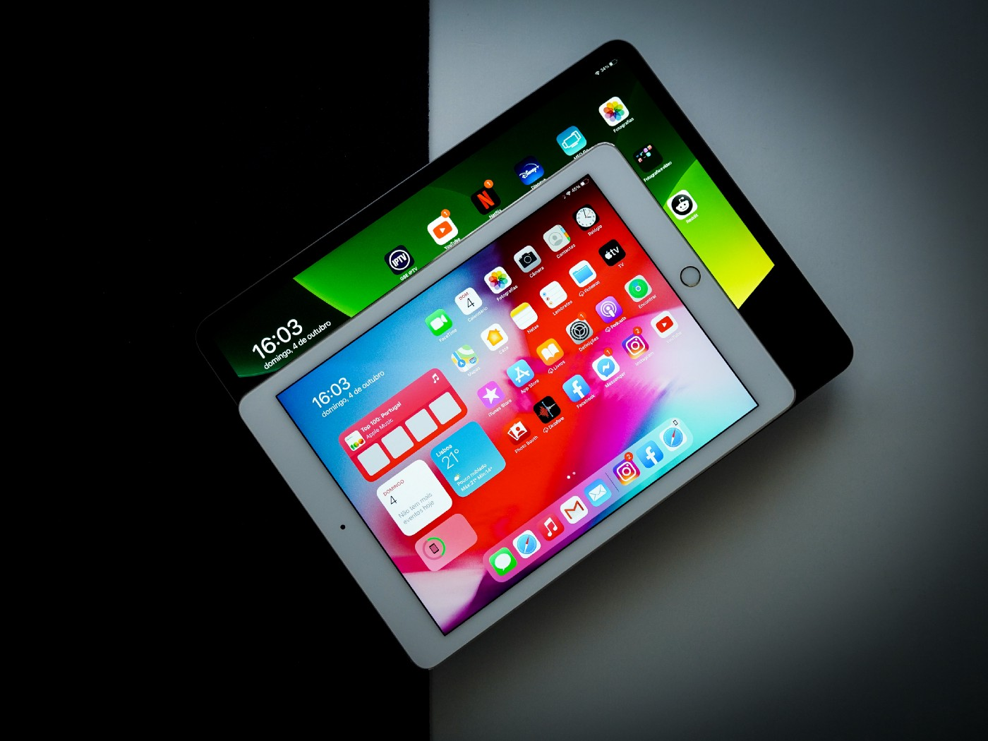 Image of iOS tablets.