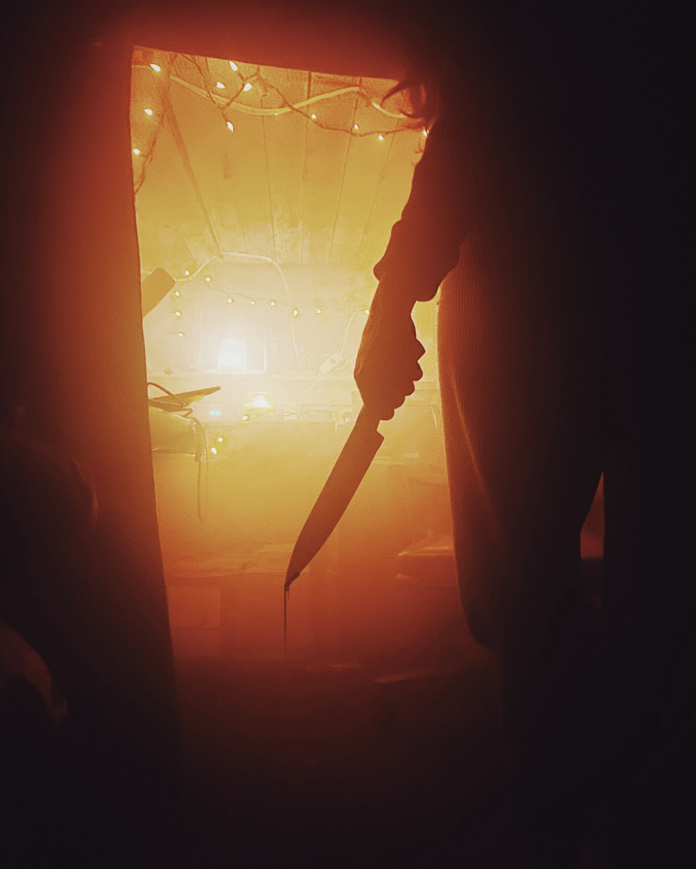 Man holding a knife depicting the Shadyside killers in Fear Street film series by Netflix