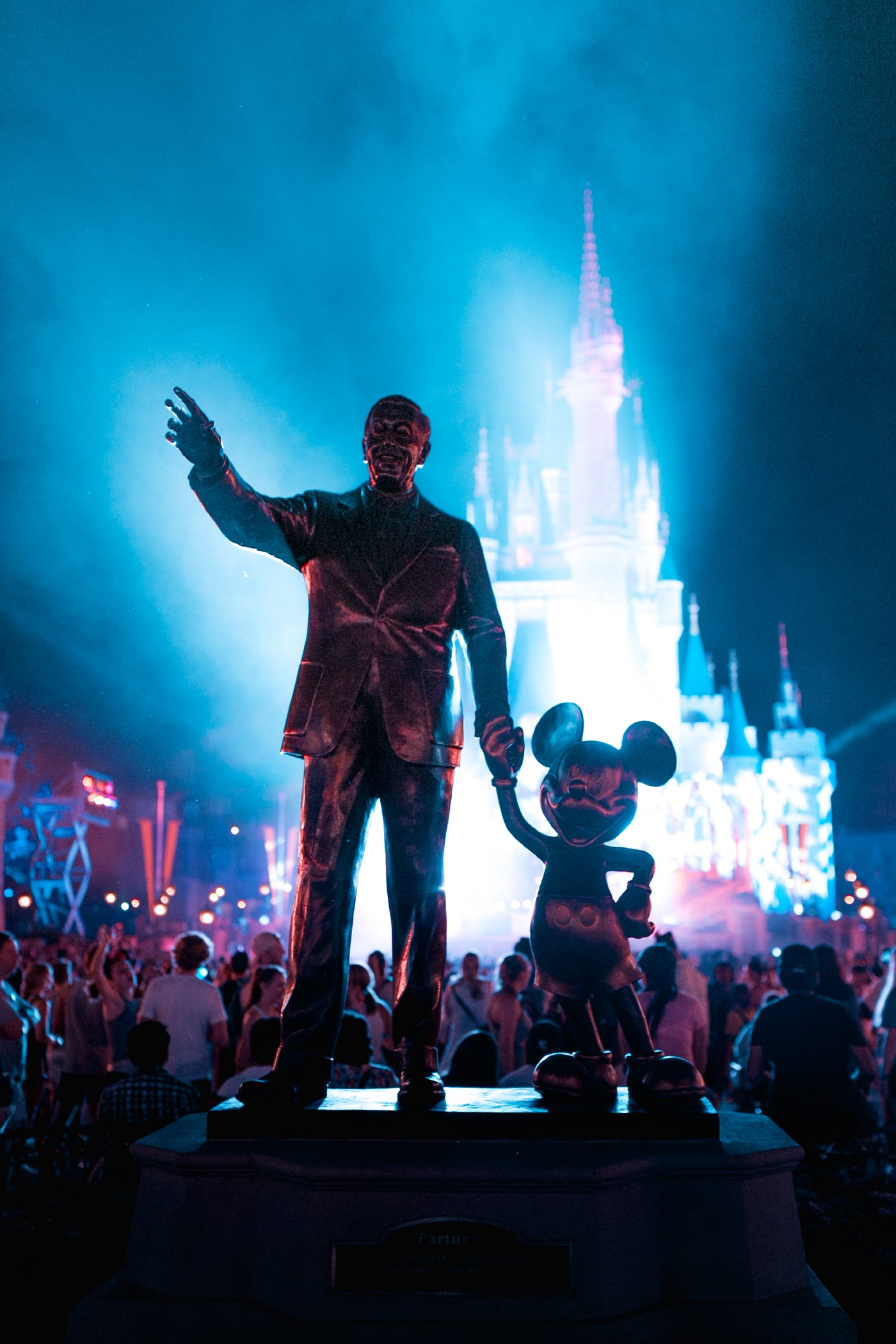 Disney Partners Statue. Walt Disney and Mickey Mouse