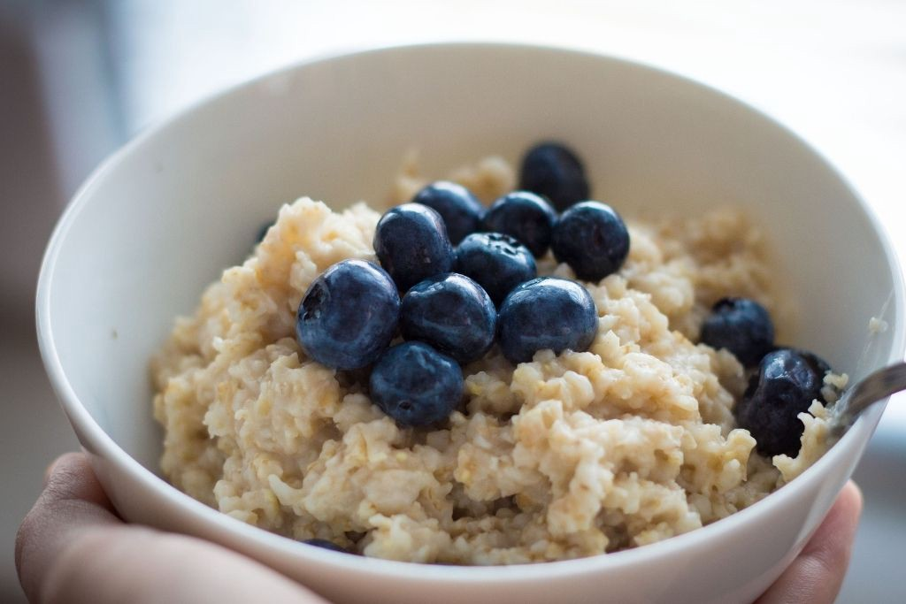 How to make oatmeal breakfast against colon cancer and high blood pressure