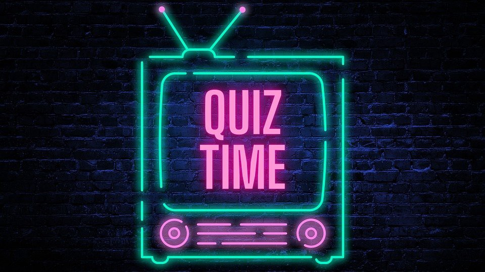 """The """"quiz time"""" text is placed inside a TV icon"""