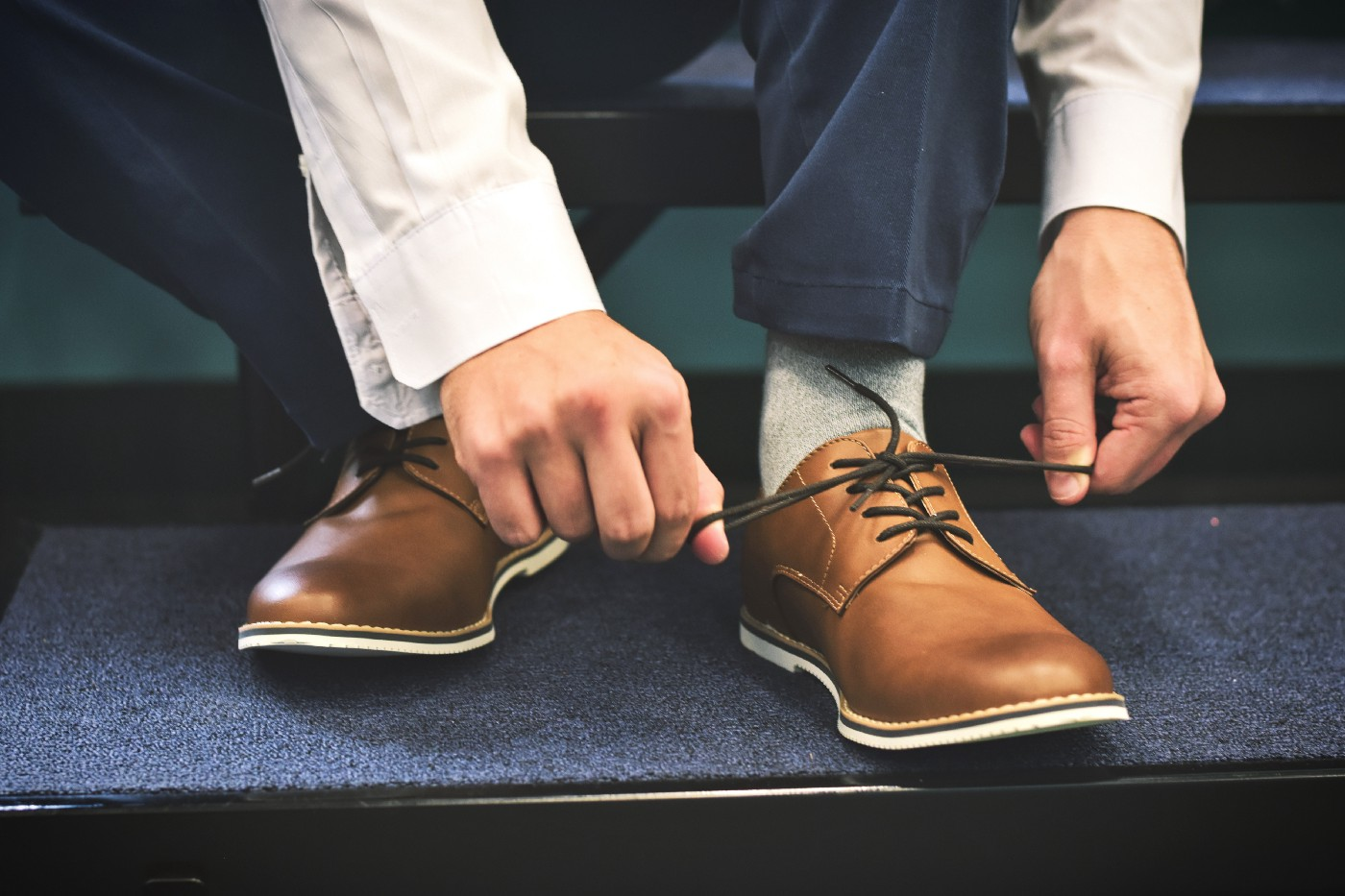 Man tying his laces