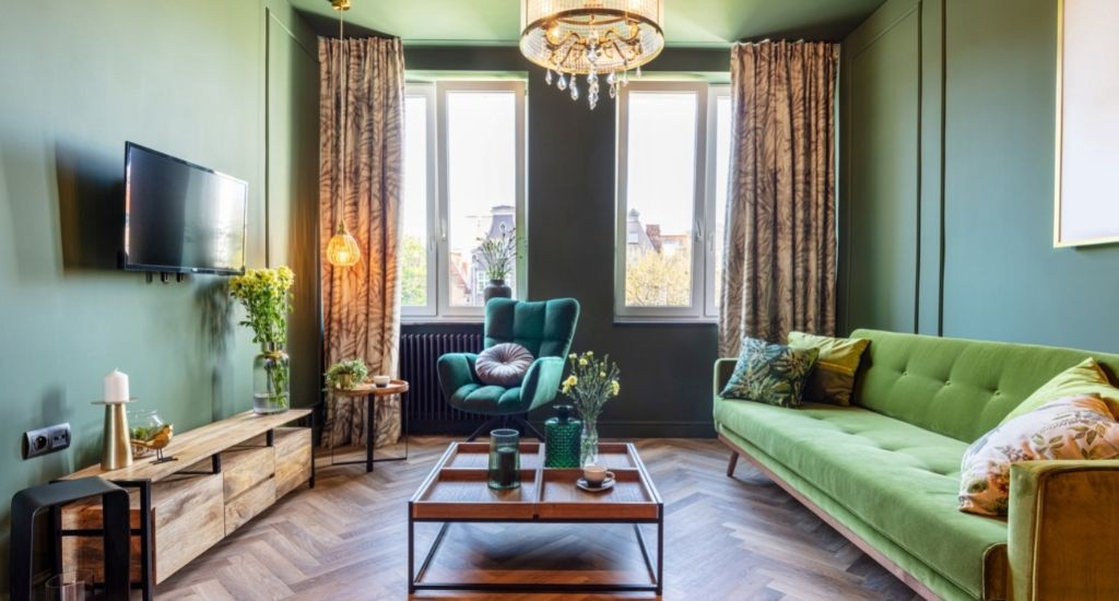 Living room decorated in green tones