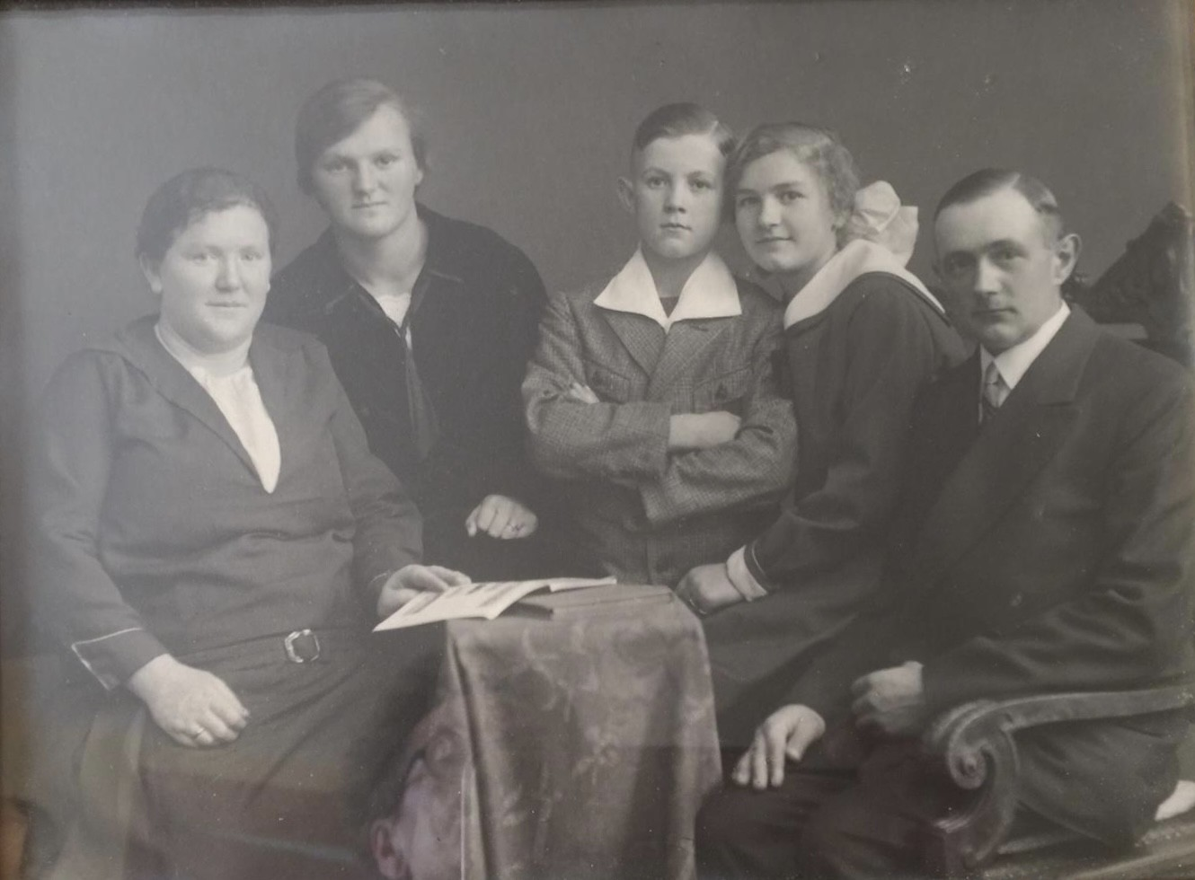 My grandmother surrounded by her family