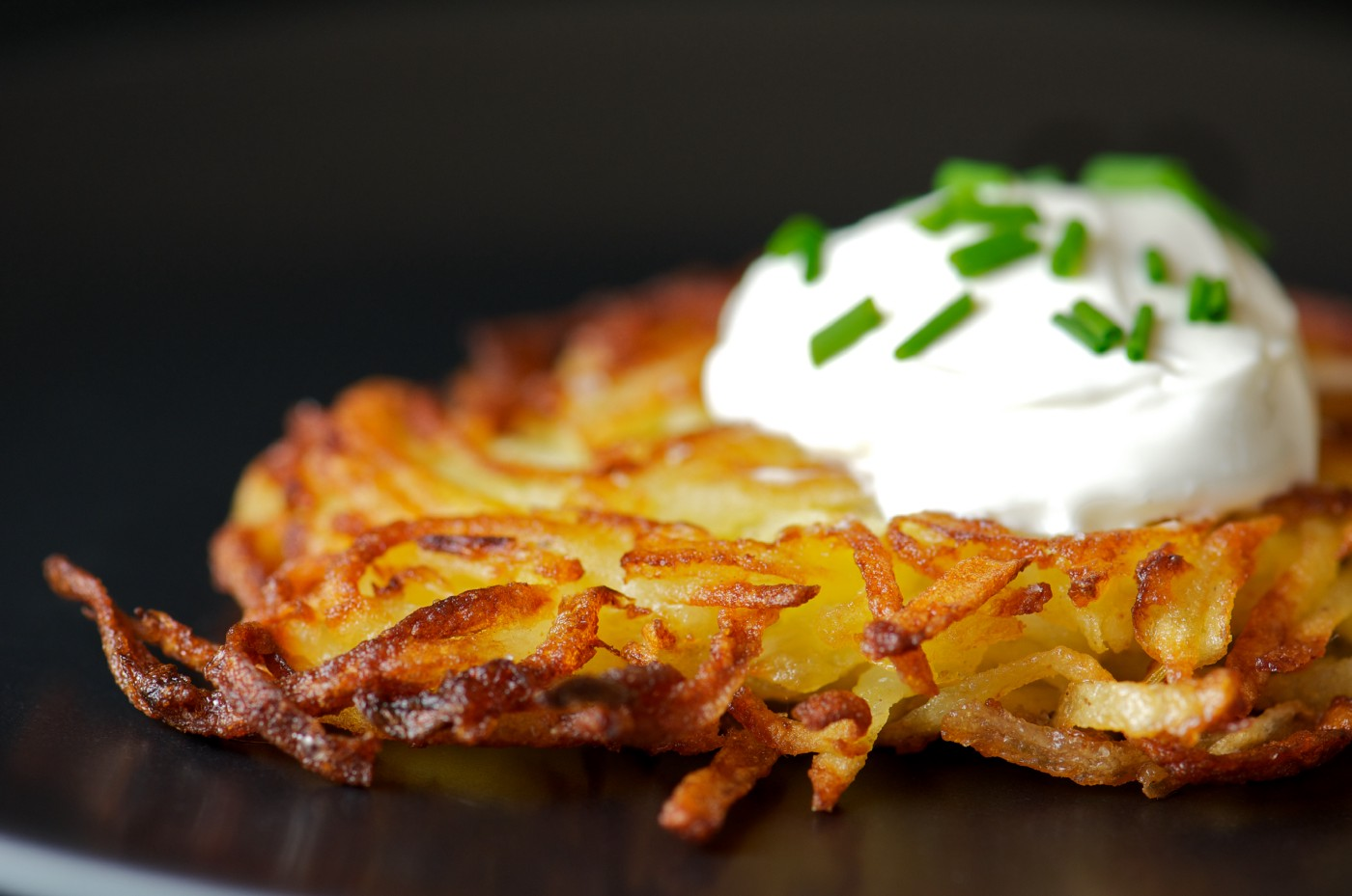 A close-up of a latke.