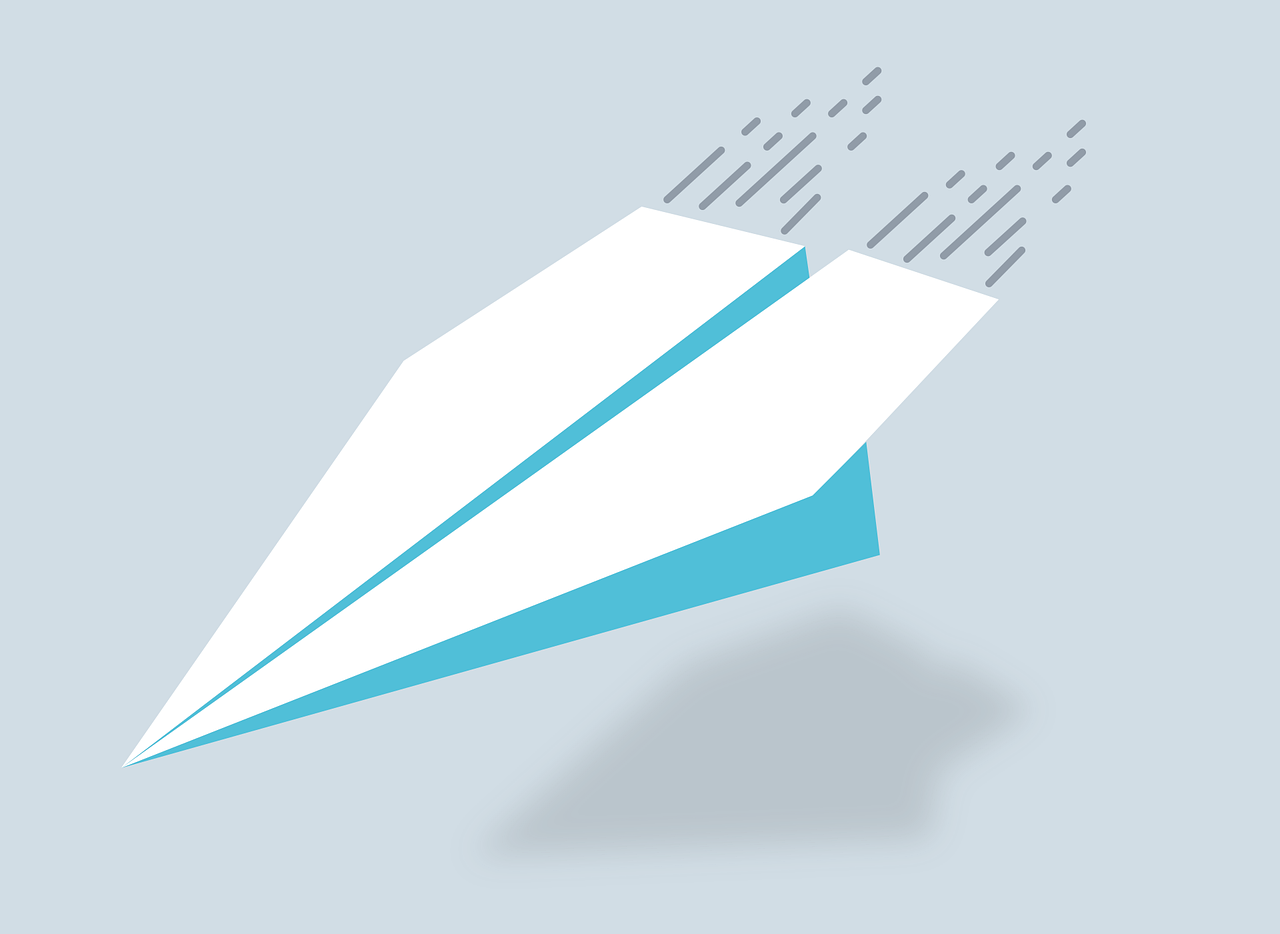 Paper airplane graphic symbolizing email marketing in 2021