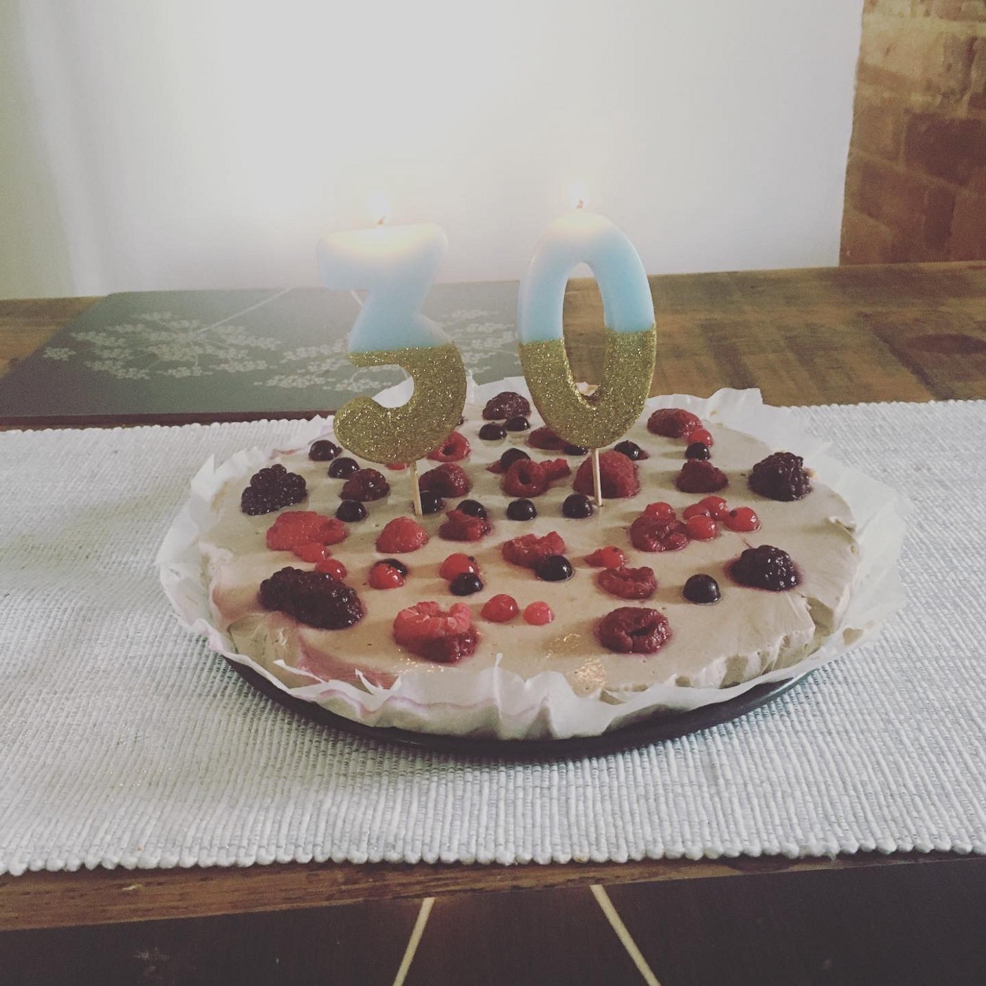 Improvised cheesecake: getting ingredients in April was a real mission