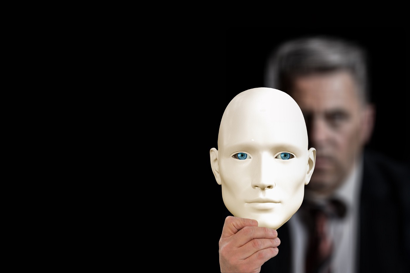 covert narcissist with the narcissistic mask on display