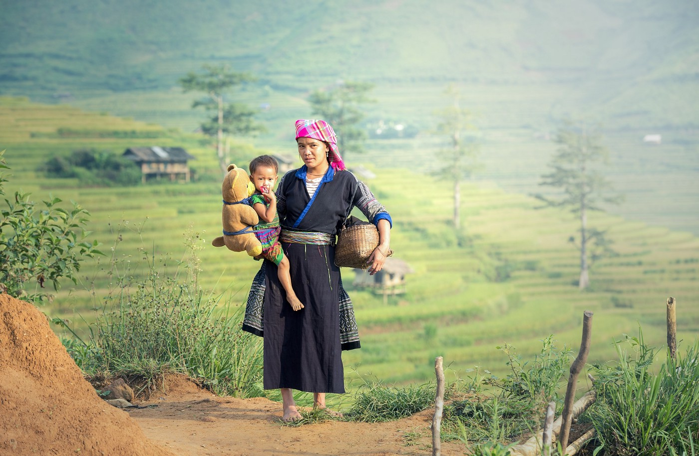 giving birth in Vietnam. traditions. postpartum confinement. are traditions bad for our mental health?