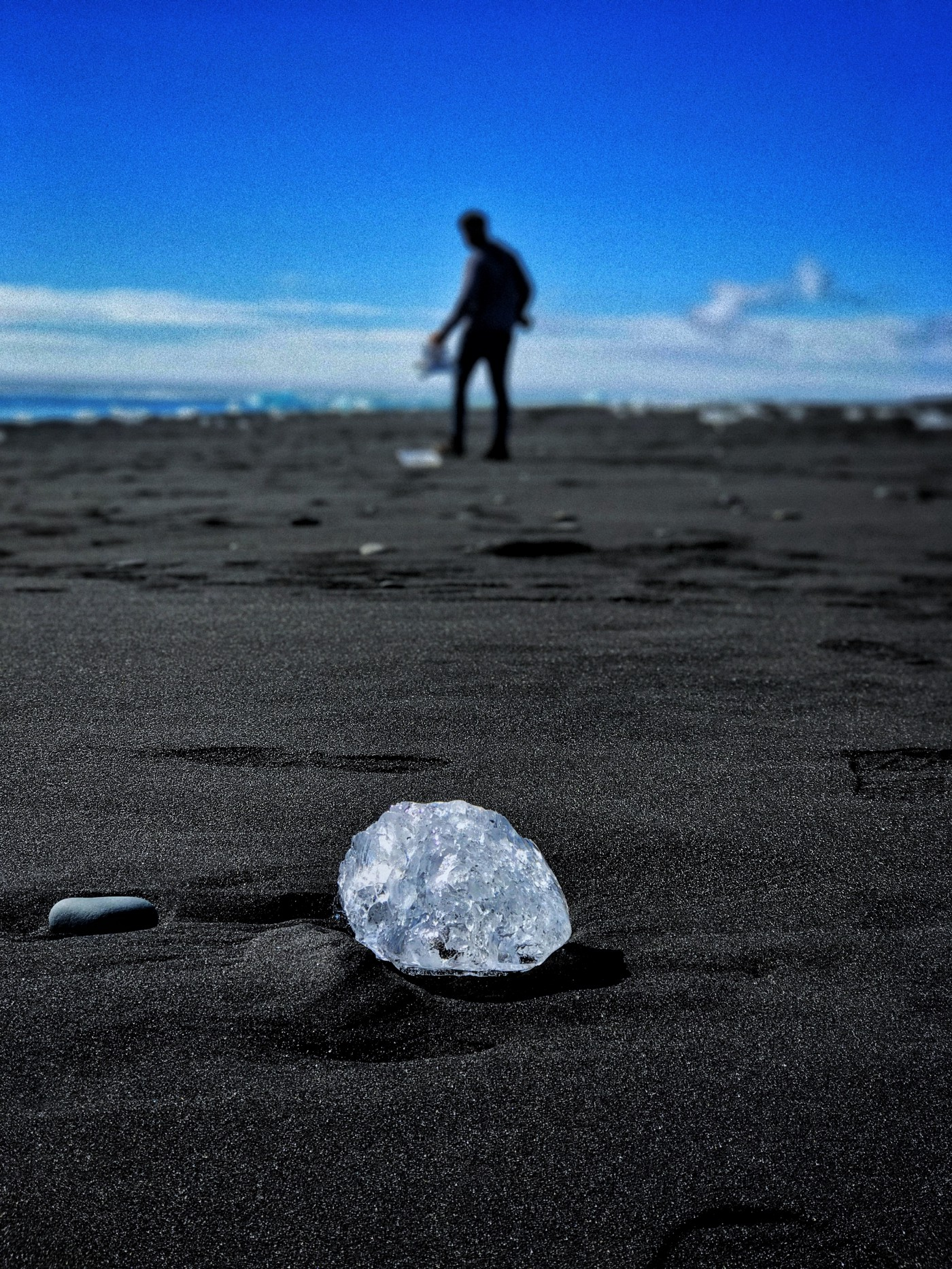 Look! A 60kt diamond just laying on the beach! OMG! :-o (Special thanks to Chris Coe)