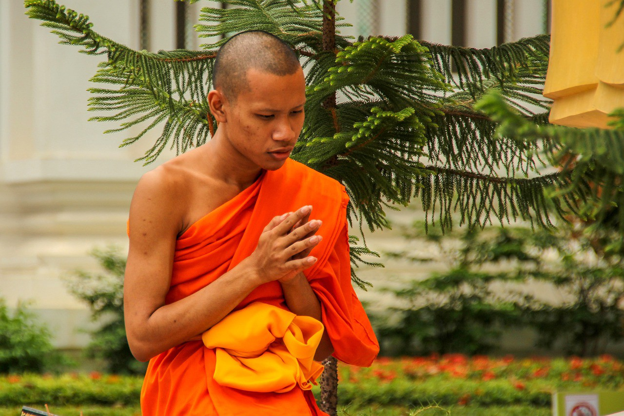A Buddhist Monk's Evening Routine to Relax and Recharge Your Mind