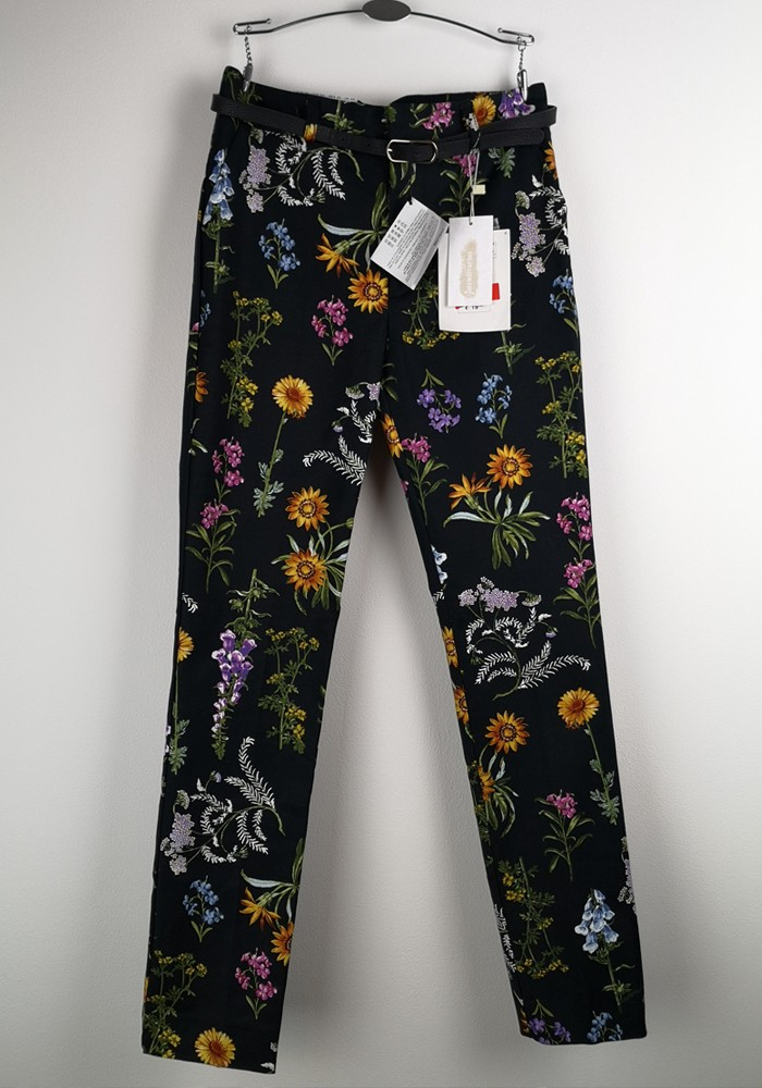 Women black floral trousers — Stradivarius