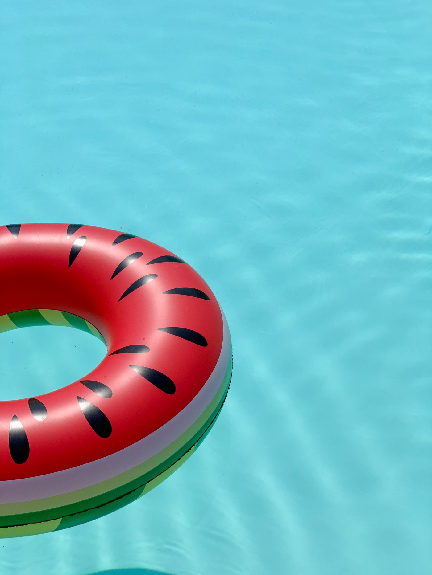 A runner ring on the surface of a swimming pool