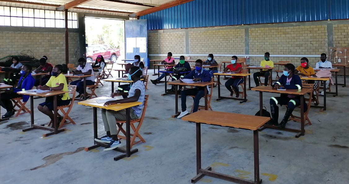 Youth at a Young Africa training supported by F2F volunteers.