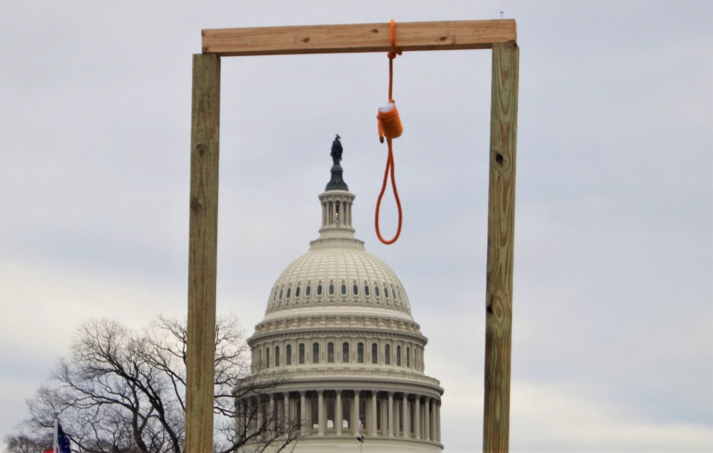 A noose in front of the capitol building on the day of the insurrection