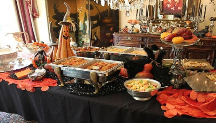 Halloween Dinner Table Setting.Tips To Throw Classy And Dollar Store Halloween Party