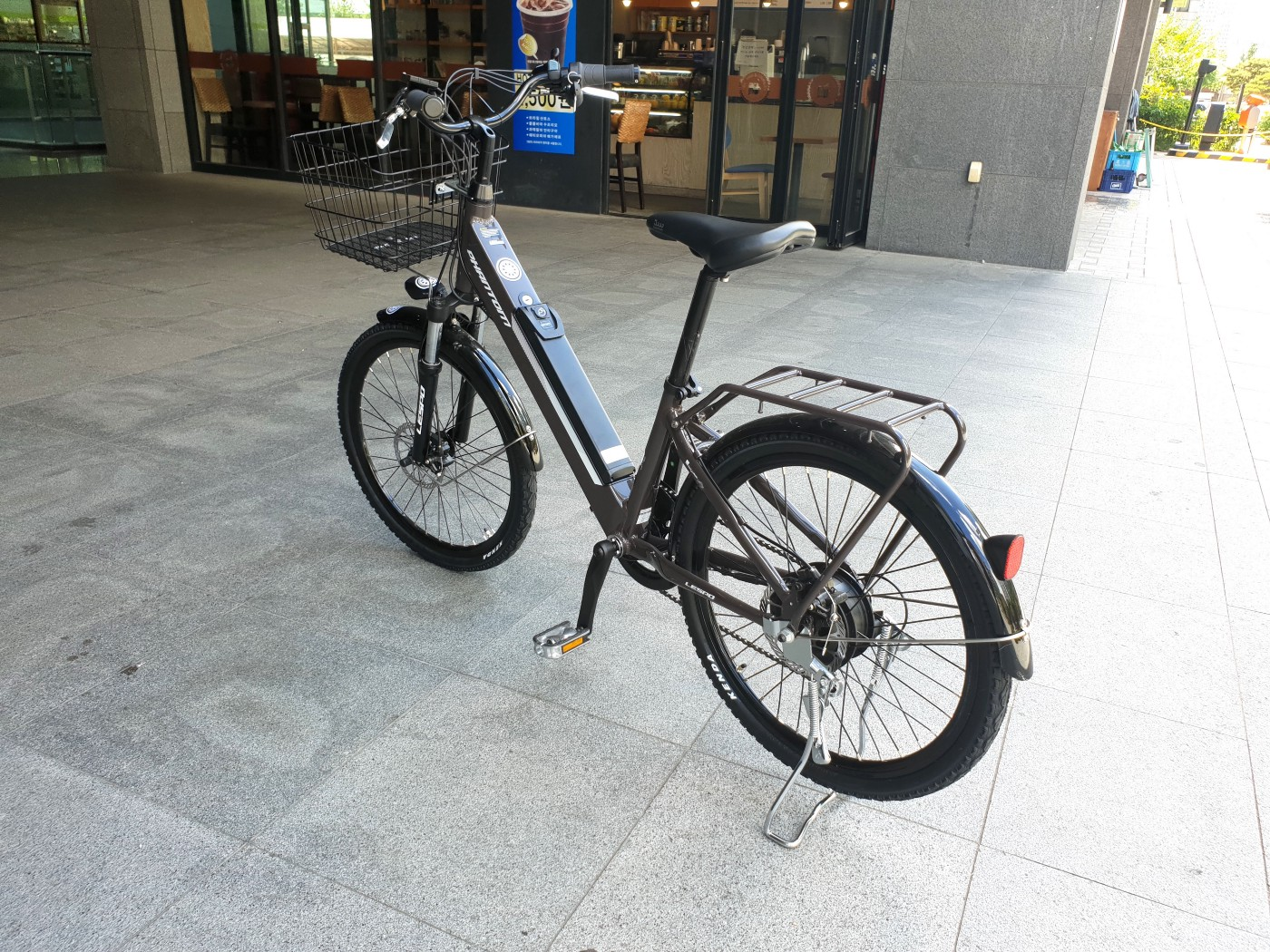 CyClean in Everyday Life: Riding CyClean's Electric Bicycle