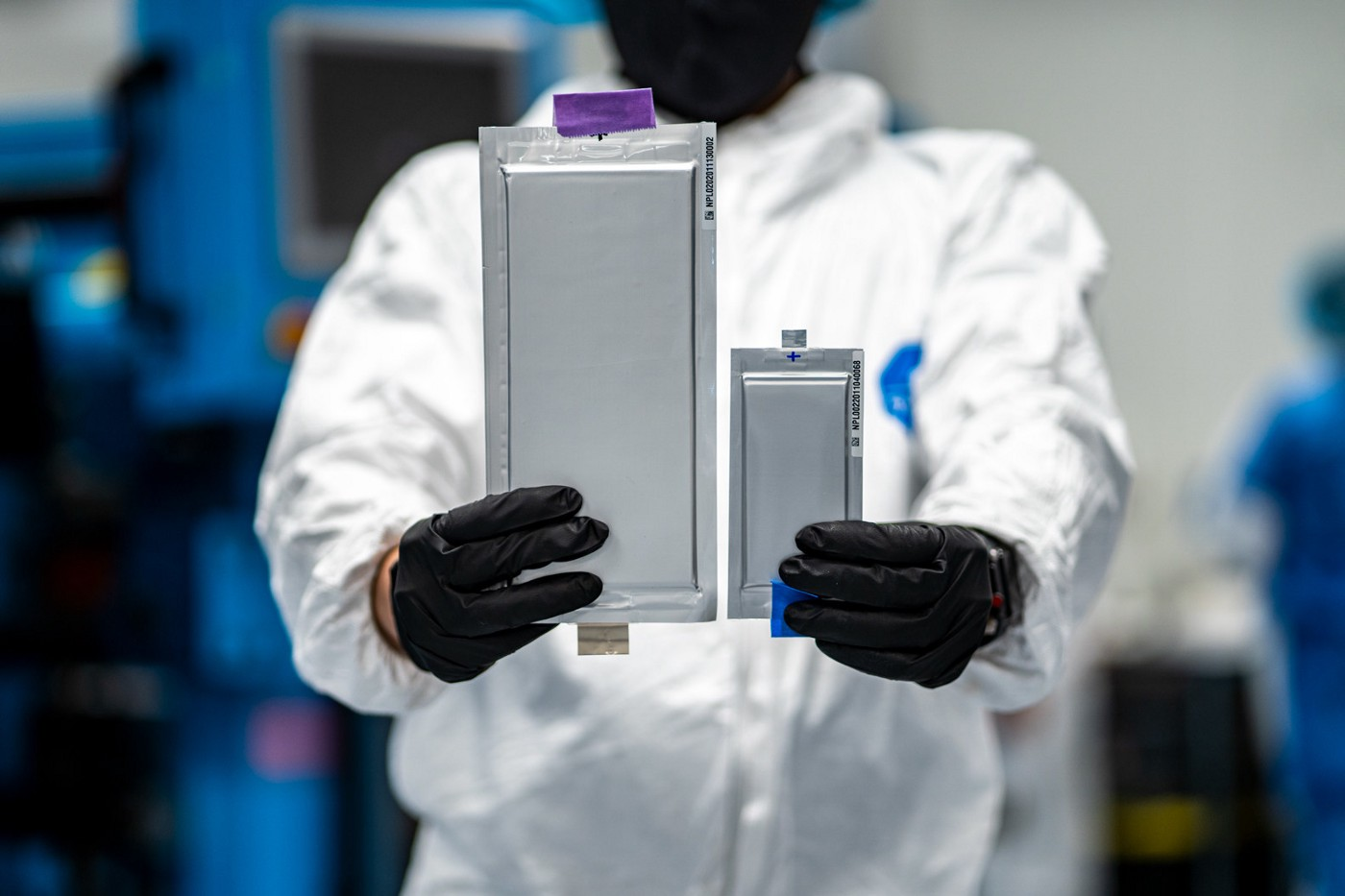 Solid Power's 22-layer, 20Ah all solid-state lithium metal cell compared to the company's first-generation 10-layer, 2Ah cell