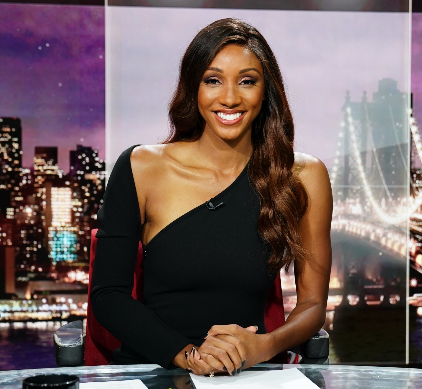 A photo of Maria Taylor at the news desk.