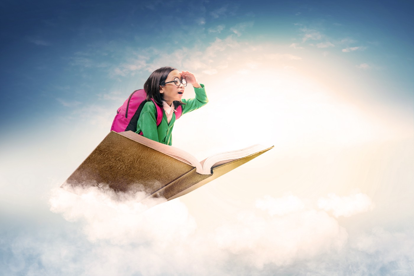 asian-cute-girl-with-glasses-backpack-sitting-book-with-blue-sky—Un Swede