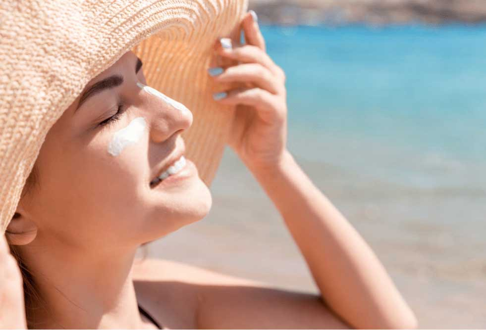 When to apply sunscreen before or after moisturizer