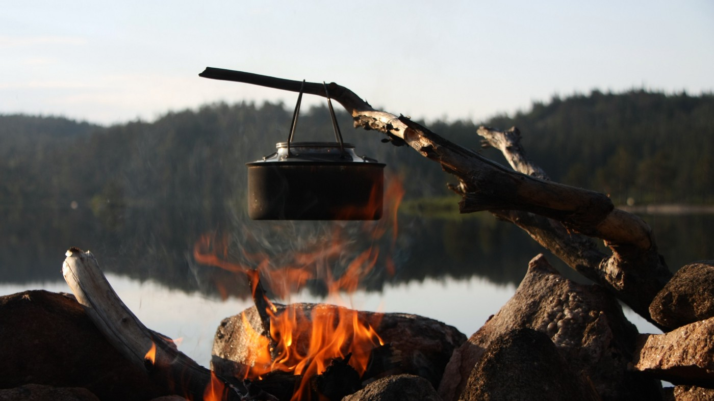 Making coffee over fire