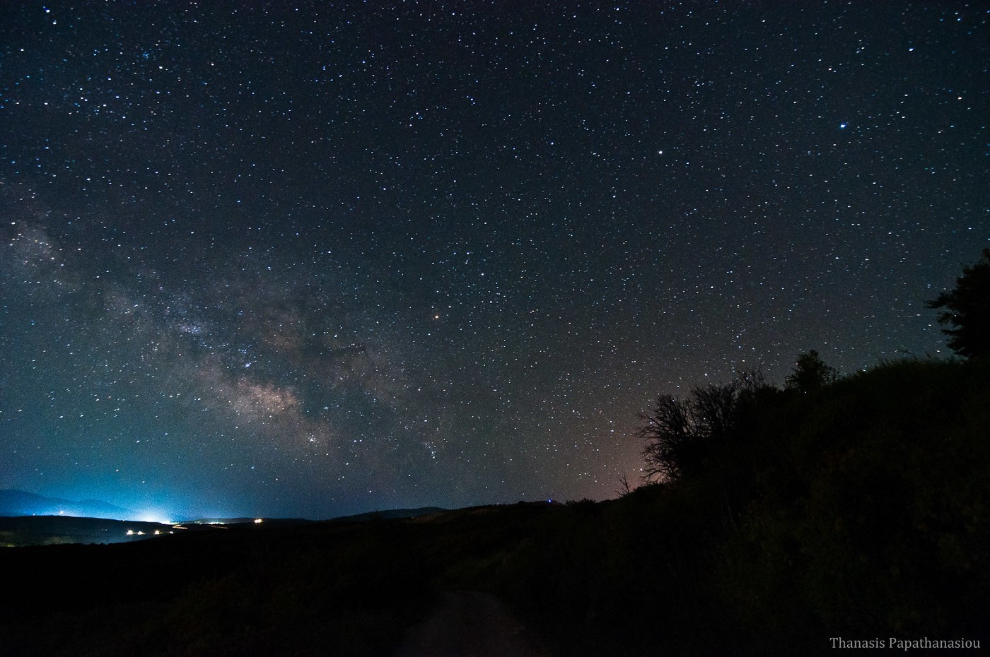 Photo of Milky Way over Heraklion by Thanasis Papathanasiou (CC BY-NC-ND 2.0) on Flickr