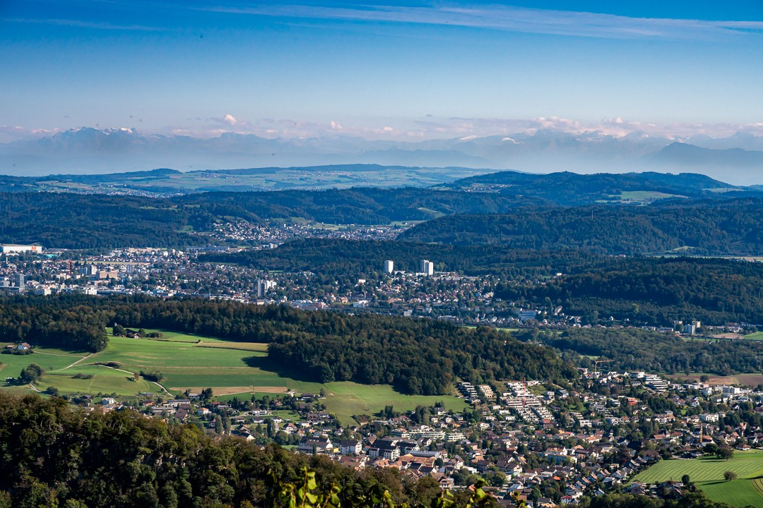 an overview over a small city in Switzerland