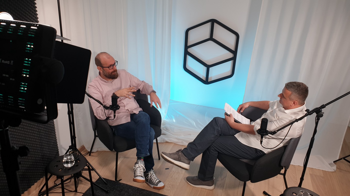 Dr. Nikolaos Dimitriadis, Head of Neuro Consulting Services at Optimal HR Group talking about his study on empathy with our ChaitTalks host, Nemanja Timotijević.