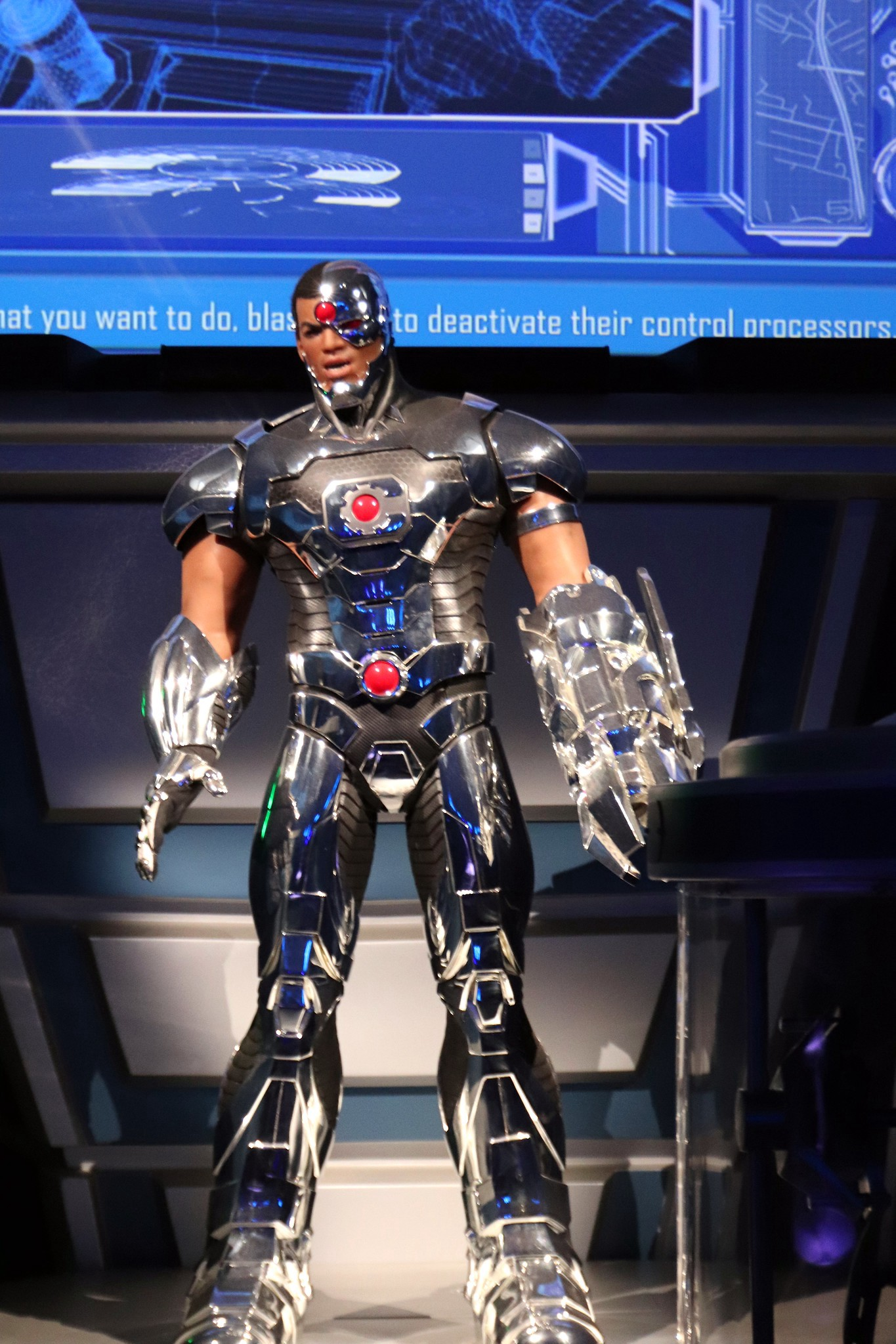 Ray-Fisher-as-Cyborg-in-Justice-League-movie