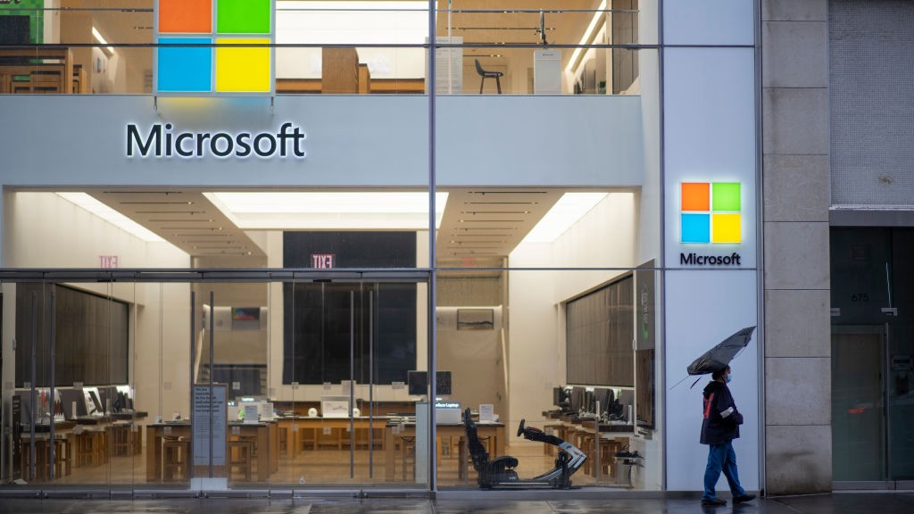 A photo of the front of an empty Microsoft store.