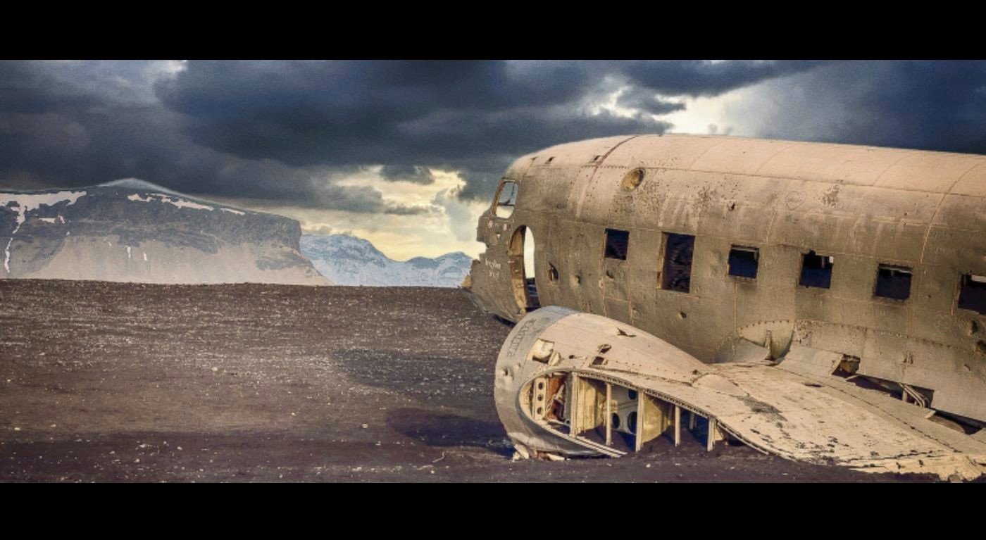 Rusted plane in the desert