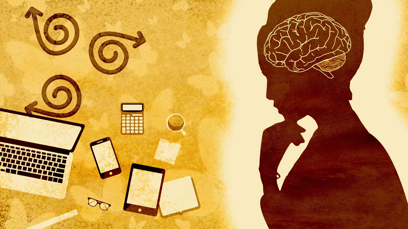 Image of Woman with Technology by chenspec from Pixabay