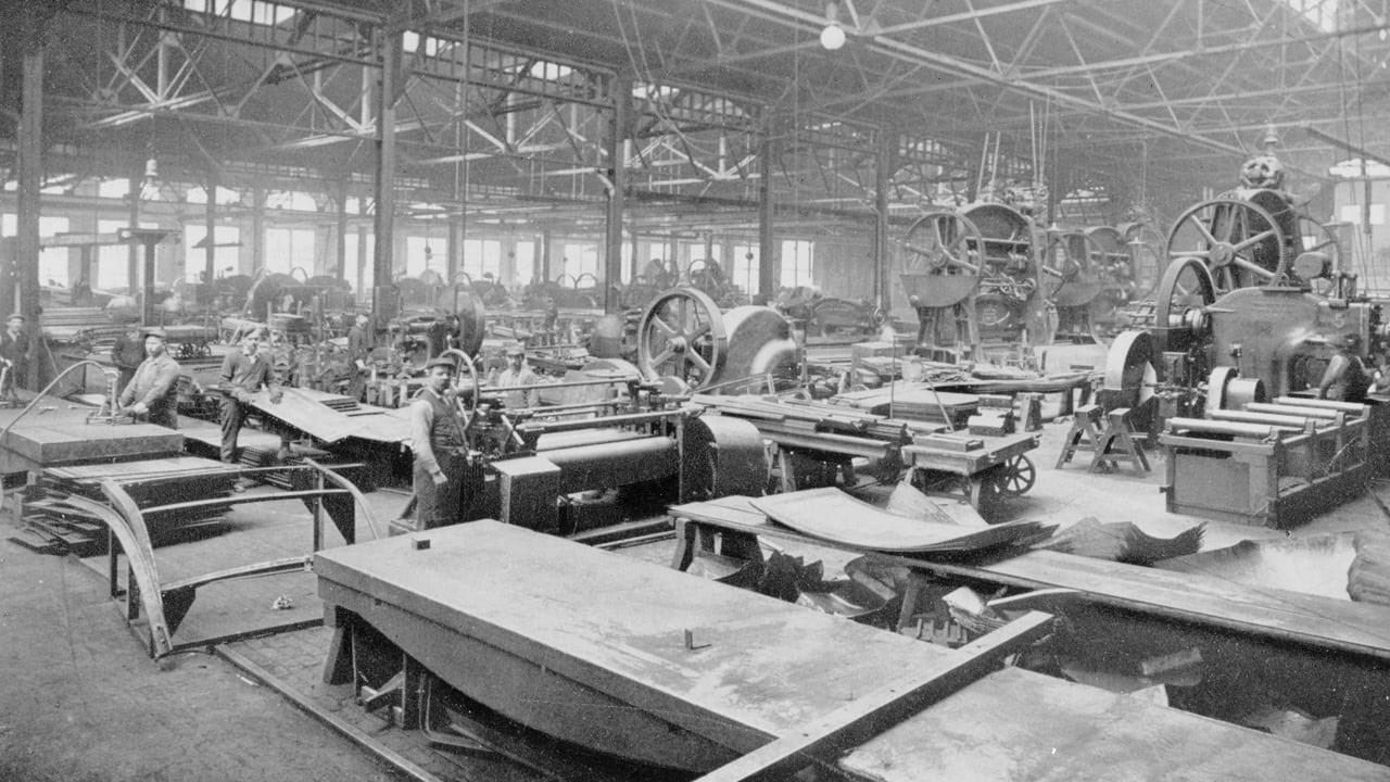 Portion of machine floor, Pullman Industrial Complex [PHOTO: LIBRARY OF CONGRESS, PRINTS & PHOTOGRAPHS DIVISION, HAER, REPRODUCTION NUMBER IL-5]