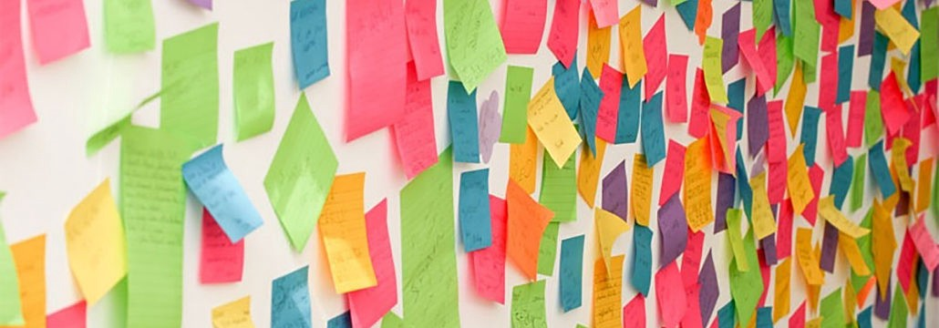 Wall full of post-it notes