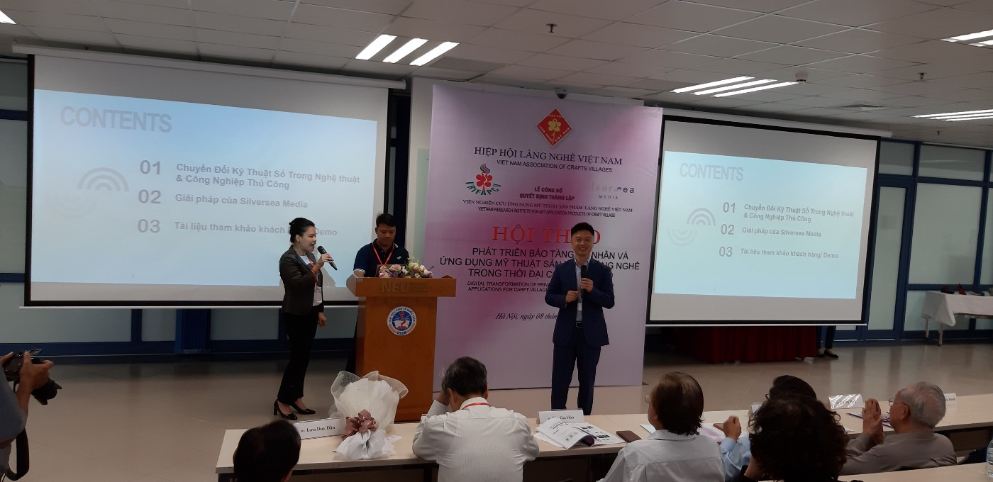 Mr. Shawn Xu and Ms. Le Thanh Tu, Country Manager of Silversea Media Vietnam present the immersive media solution for art an