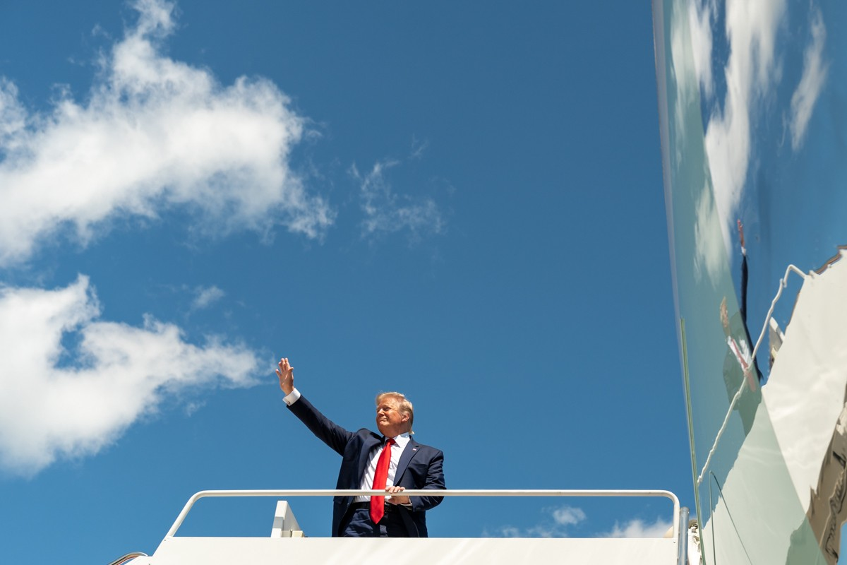 Trump waving goodbye