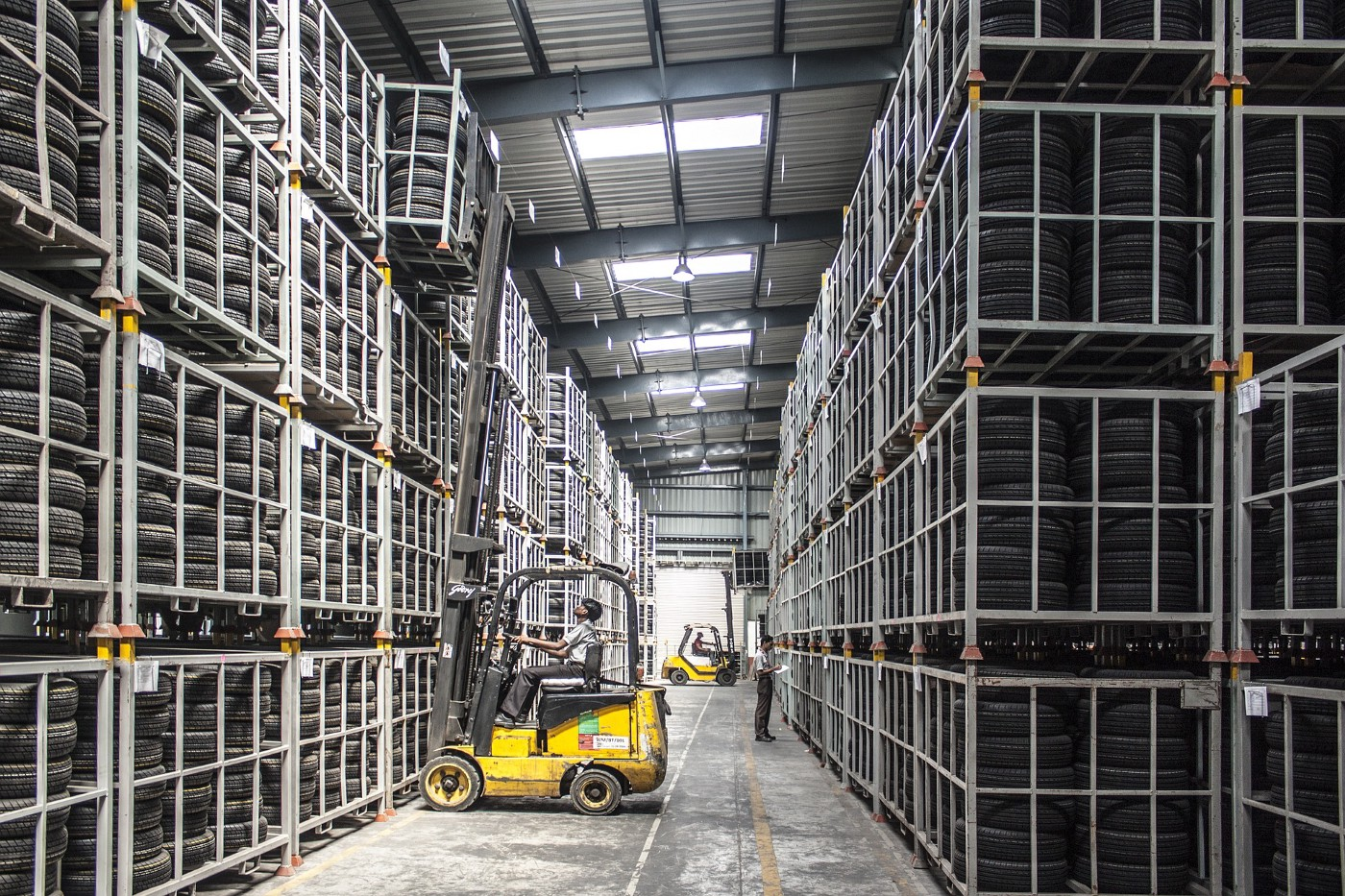 Fork lift moving containers