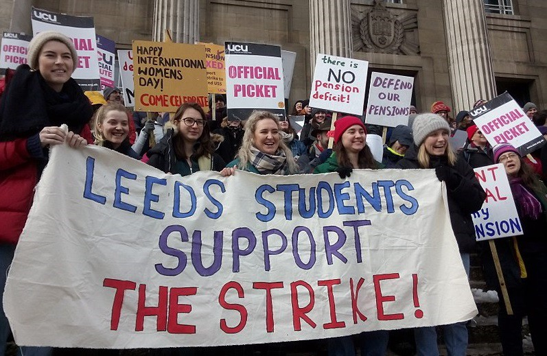 Students supporting the UCU strike in Leeds in 2018.