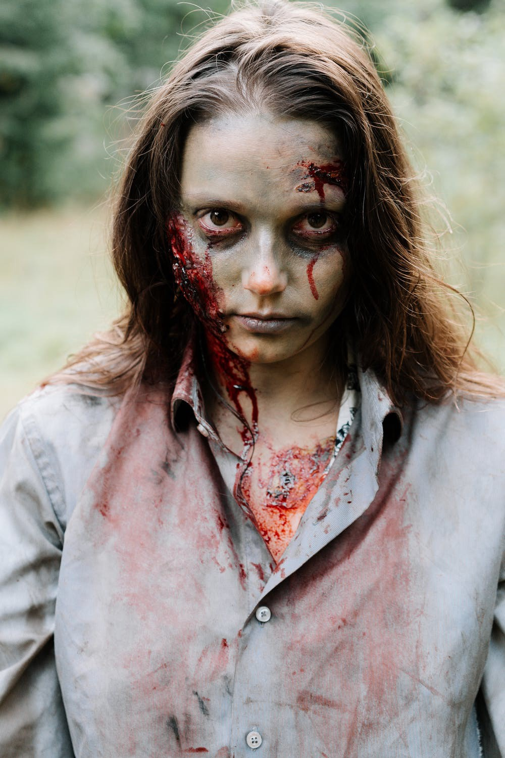 Picture of a female zombie representing zombie chains.