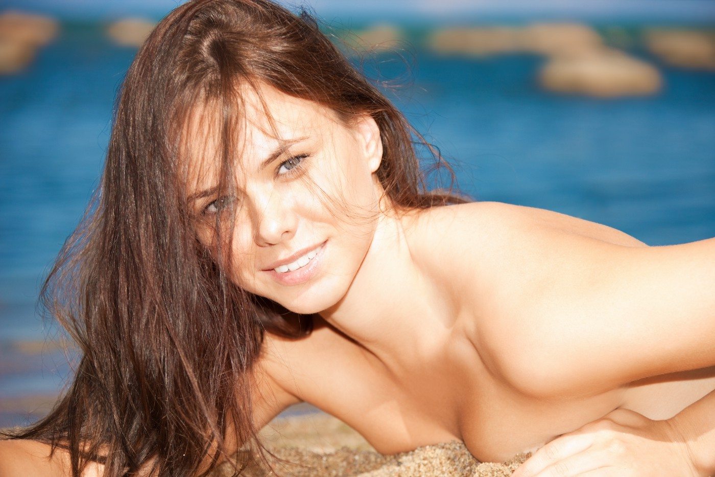 picture-beautiful-sexy-woman-beach—Un Swede